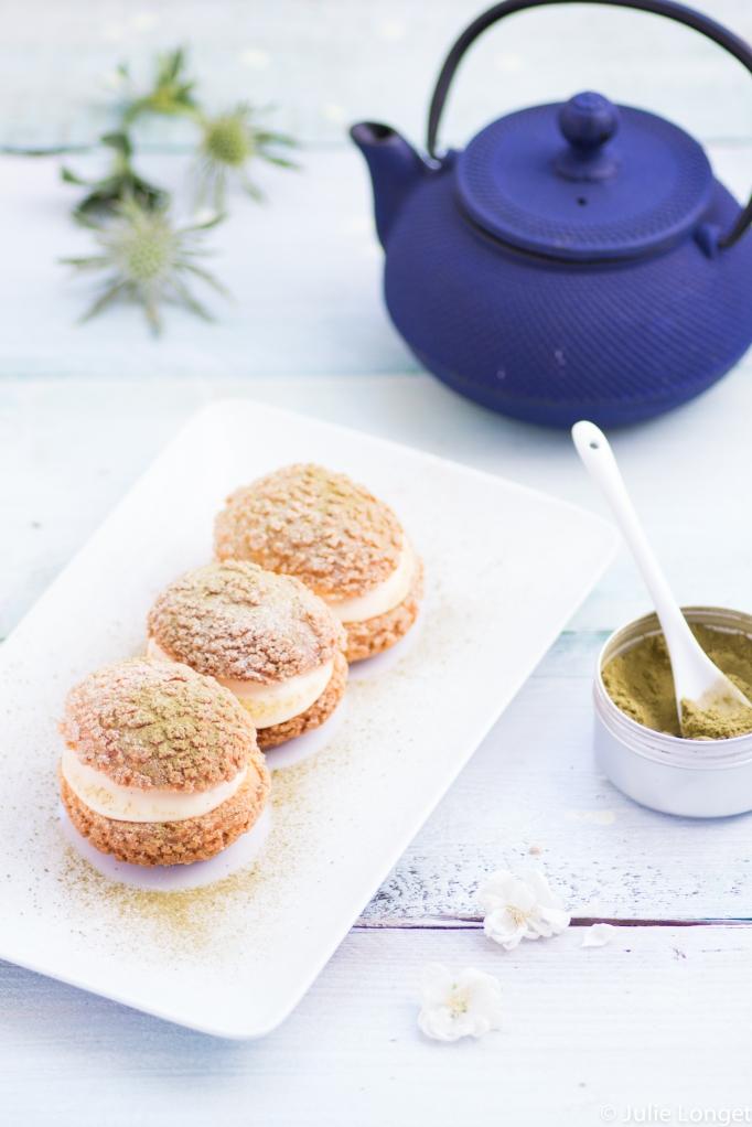 Choux craquelin à la crème légère vanille et thé Matcha