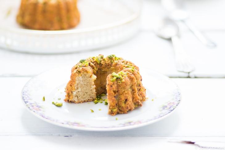 Mini gâteaux aux blancs d'oeufs et pistaches caramélisées