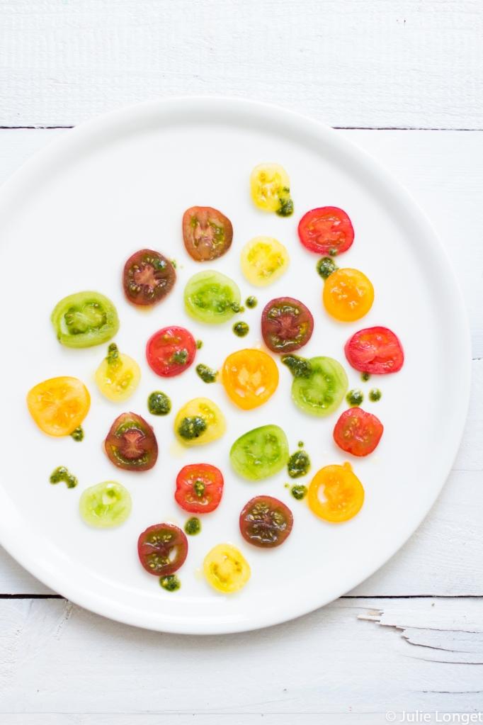 Carpaccio de tomates cerises et pesto d'herbes