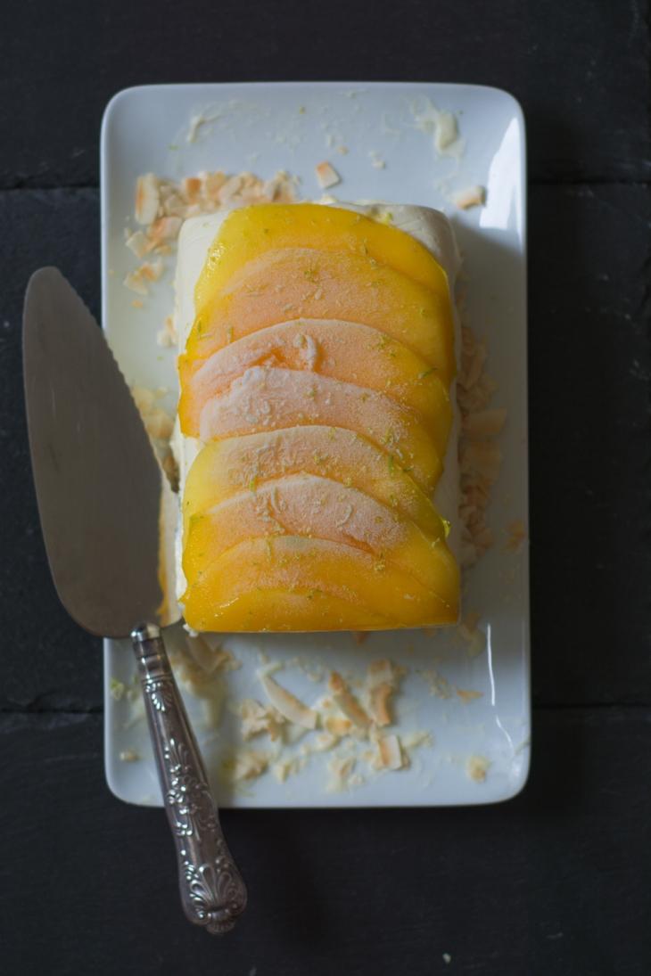 Semifreddo à la noix de coco, citron vert et mangue