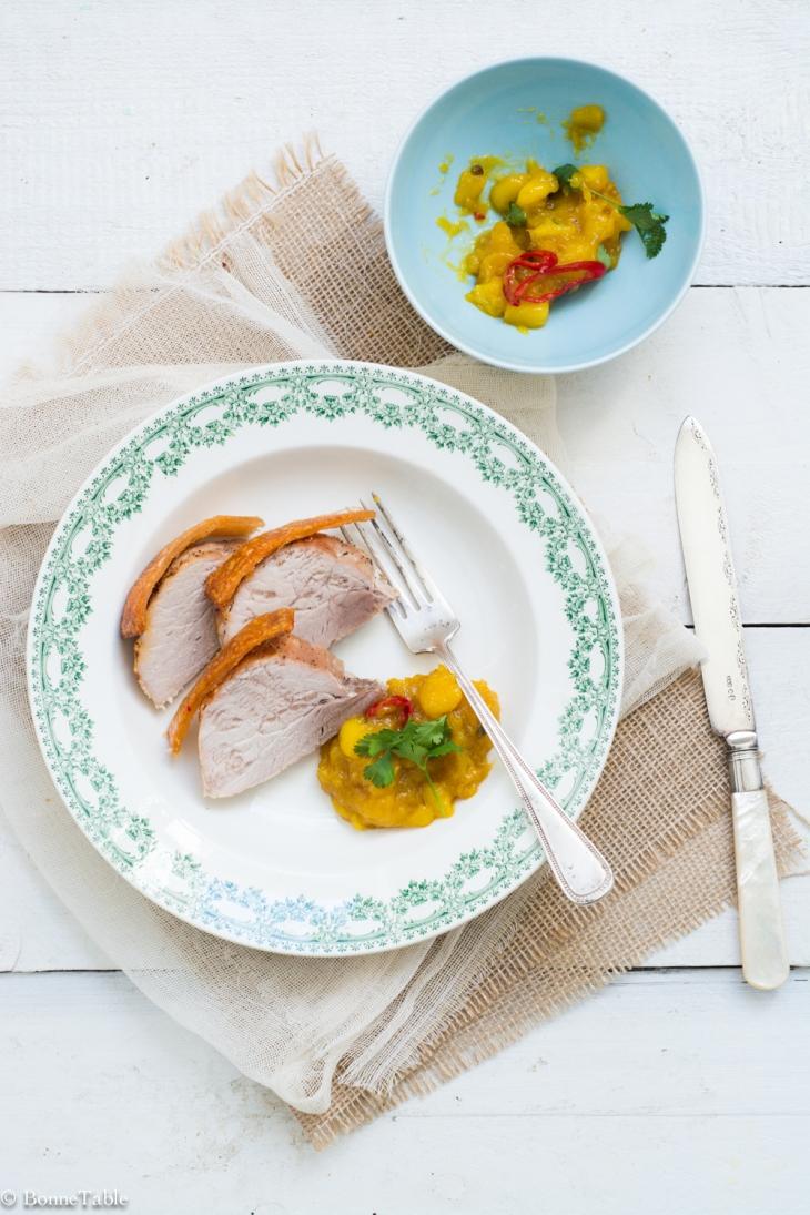 Rôti de porc croustillant et chutney de mangue au gingembre