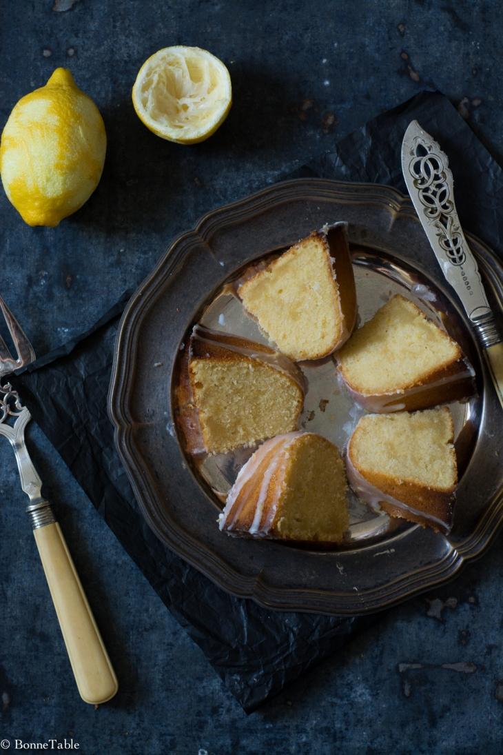 Citron et vanille pound cake, glaçage au lait ribot