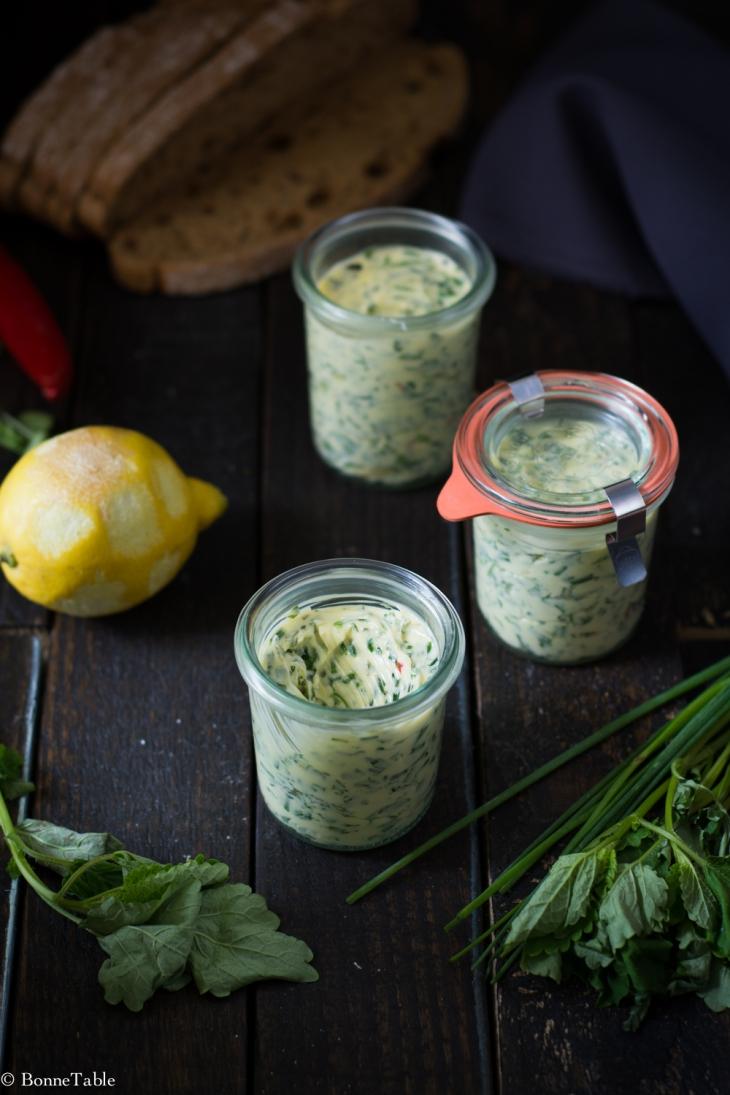 Beurre d'herbes au citron et piment doux